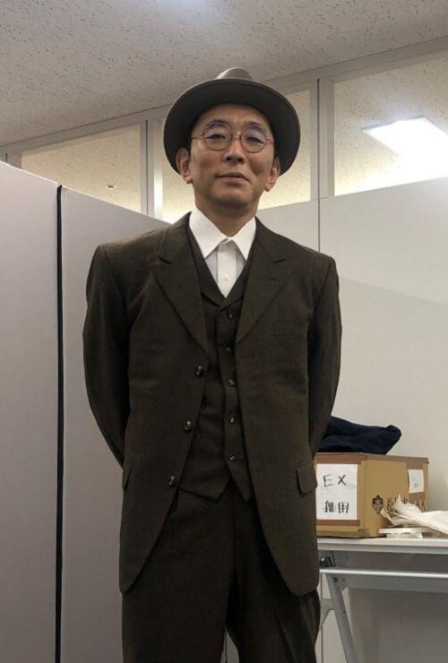 画像:宮川永井荷風スーツ